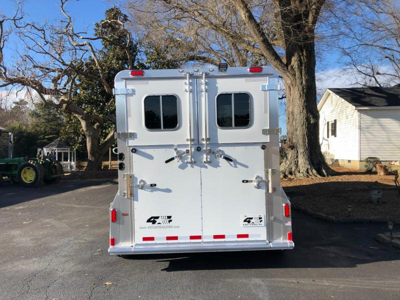 2022 4 Star 2 Horse Deluxe GN