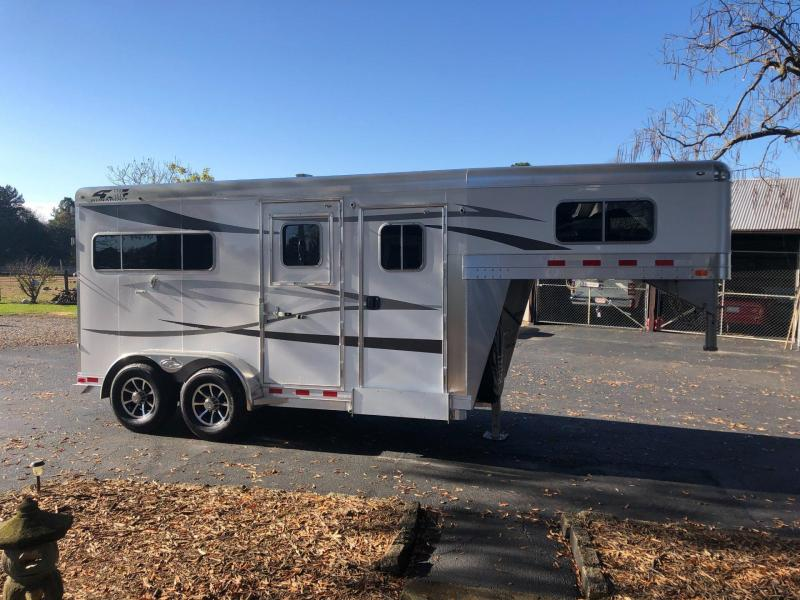 2022 4 Star 2 Horse GN Runabout with Quiet Ride