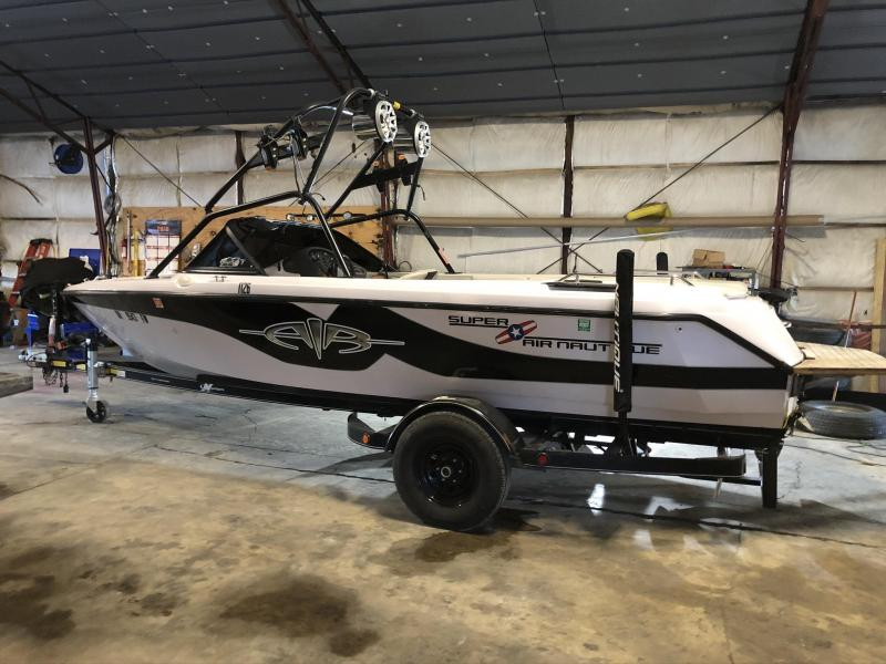 2001 SUPER AIR NAUTIQUE WAKEBOARD BOAT