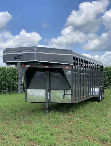 2021 S&S Manufacturing 24' Gooseneck Livestock Trailer