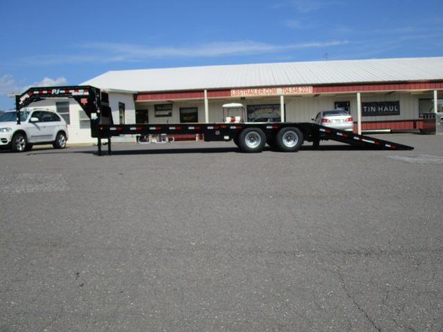 2020 PJ Trailers 30' Low Pro Hyd Dove Equipment Trailer