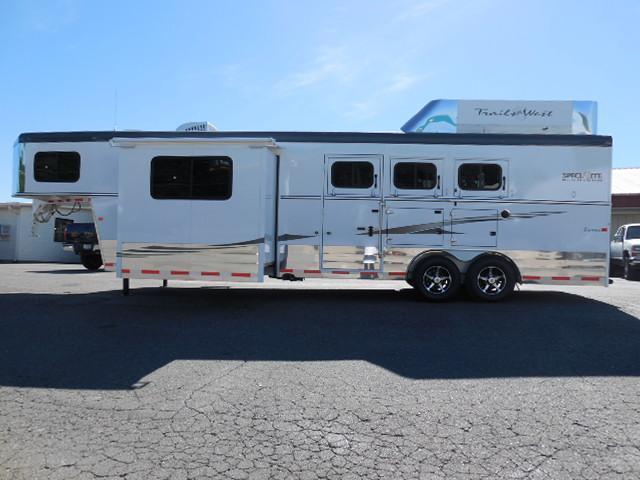 Clearance 2015 Trails West 3H LQ w/Slide Horse Trailer