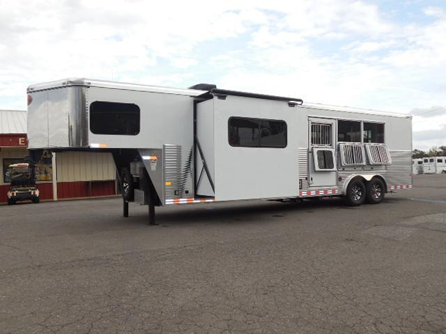 Clearance 2015 Sundowner Trailers 3H 8013 LQ w/Slide Out Horse Trailer