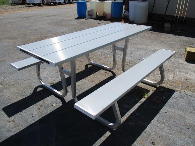2019 Aluma 6ft Picnic Table