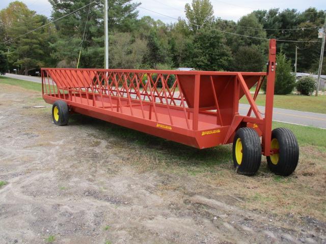 2019 Pequea 525T Feeder Wagon Hay / Forage