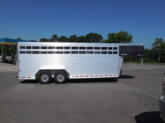2017 Sundowner 20ft Rancher RS Livestock Trailer