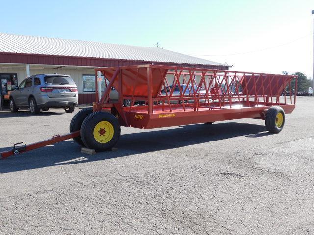 2016 Pequea 520 Wagon Hay / Forage
