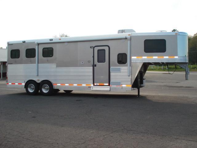 2012 Shetron LLC 3H LQ Horse Trailer