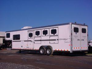 Clearance 2006 Sundowner 4H 8010 LQ Horse Trailer