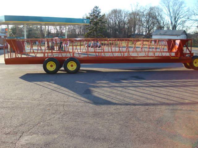 2019 Pequea 530T Feeder Wagon Hay / Forage