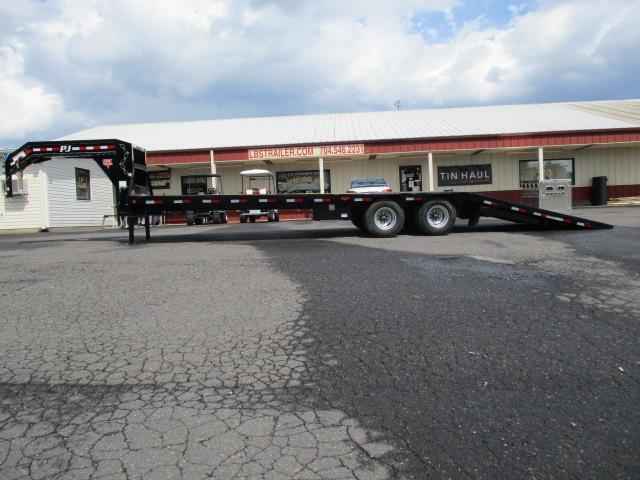 2020 PJ 32' Low Pro Hydraulic Dove Electric/Hydraulic Disc Brakes Equipment Trailer