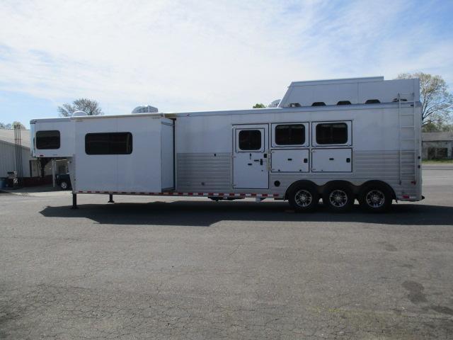 2013 Sundowner Trailers 3H 8017 LE LQ Horse Trailer