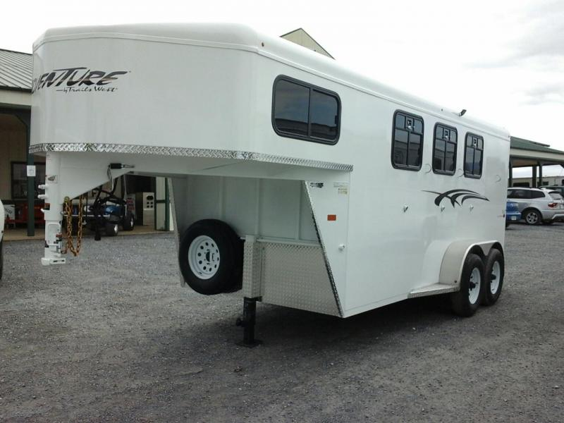 2019 Trails West Manufacturing Adventure MX 3H GN Horse Trailer