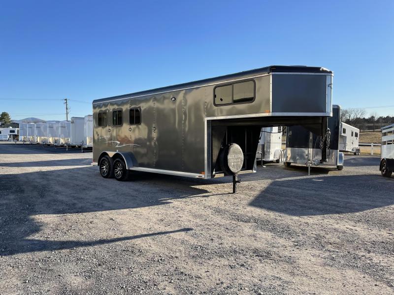 2019 Homesteader Trailers 3H SL Horse Trailer