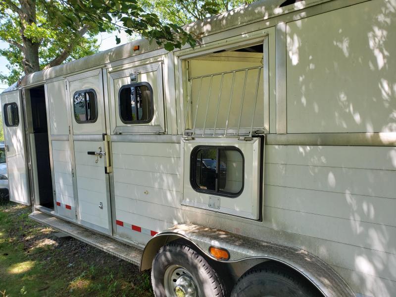 2004 Jamco Trailers Jamco 3 Horse Slant Horse Trailer