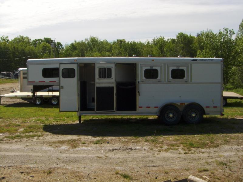 2005 Jamco Trailers Jamco 3 Horse Slant Horse Trailer