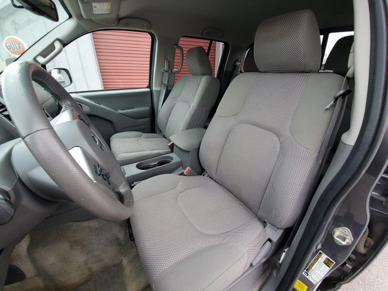 2017 Nissan Frontier 4WD Cab Cab 72k mls