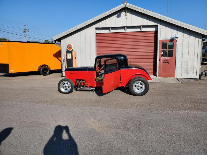 1932 Ford Coupe Hot Rod Car