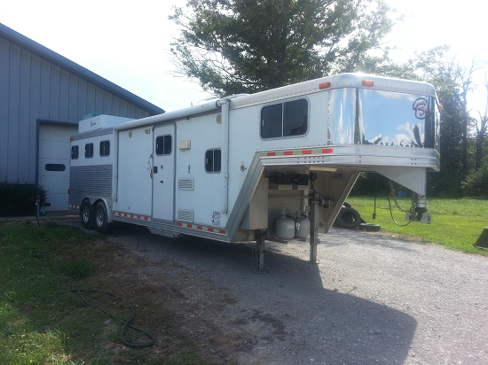 2003 Barret 3 Horse Trailer w/ 10 ft SW Living Quarters