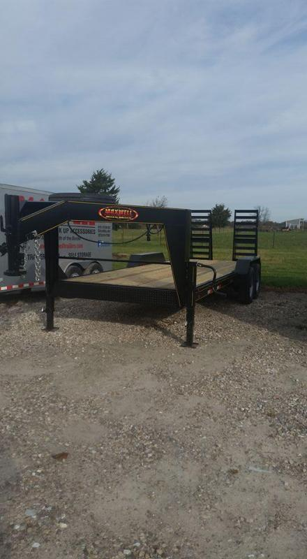 New 2019 Maxwell 83 x 22 Gooseneck Skidsteer Flatbed Equipment Trailer