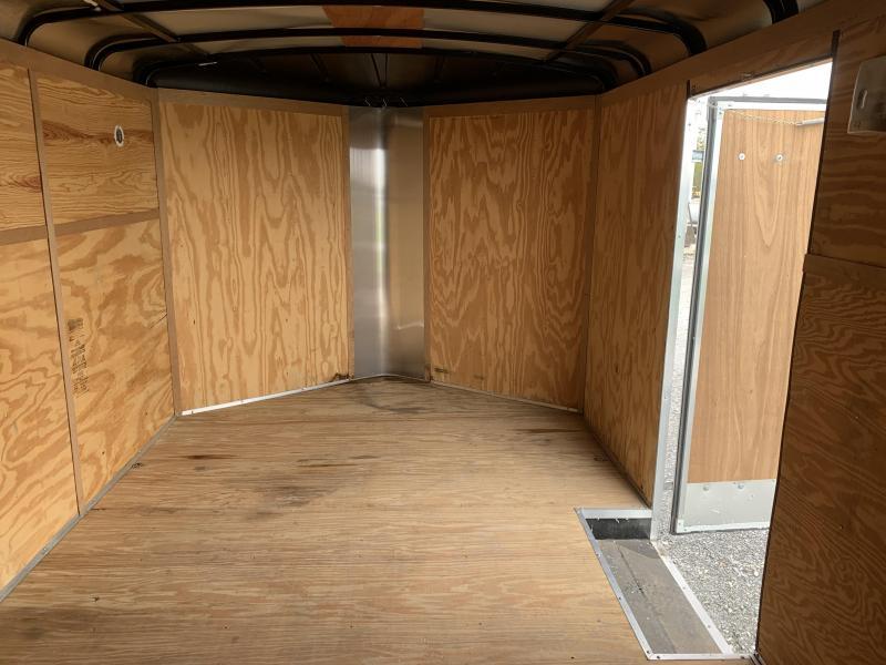 2011 Homesteader Trailers V-Nose Tandem Enclosed Cargo Trailer