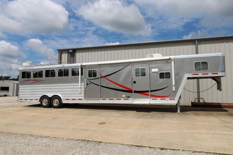 2013 Featherlite 8581-6H Horse Trailer