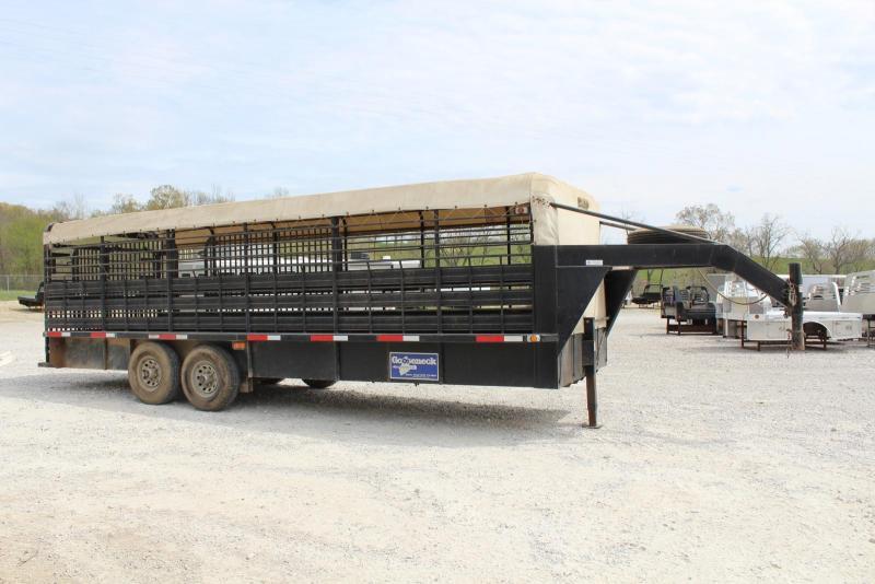 2007 Gooseneck 7 x 24 Livestock Trailer