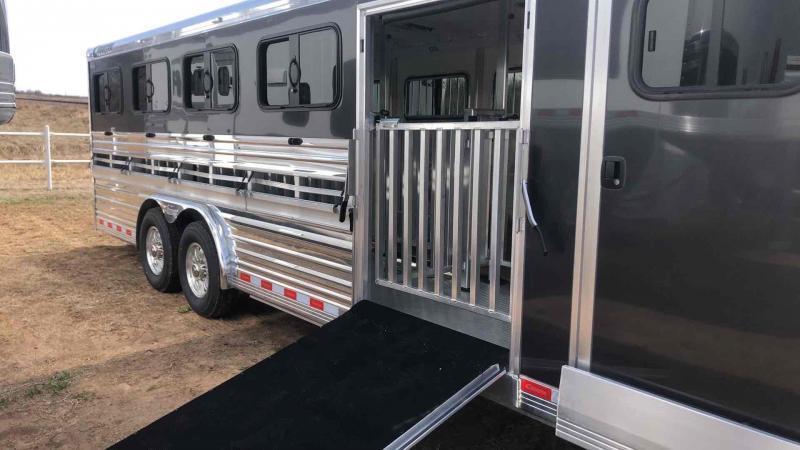 2020 Cimarron Trailers Showstar LX Livestock Trailer