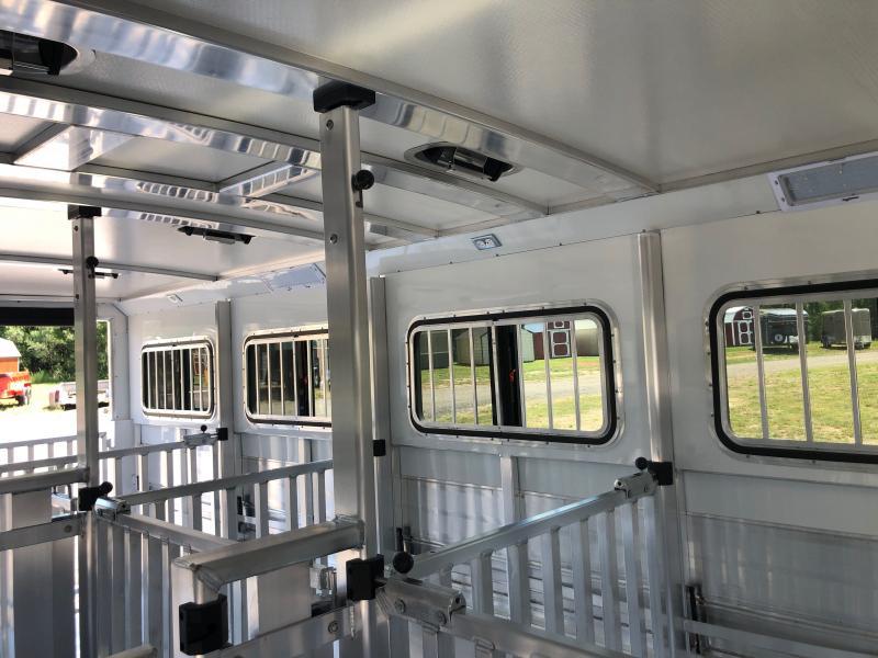 2021 Cimarron 10 Pen Showstar LX Livestock Trailer