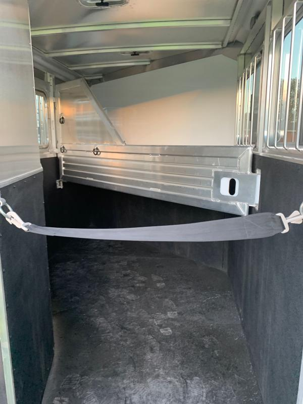2021 Featherlite 9409-672H Horse Trailer