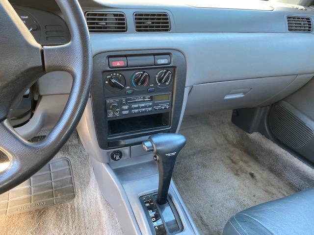 1996 Nissan Sentra Car