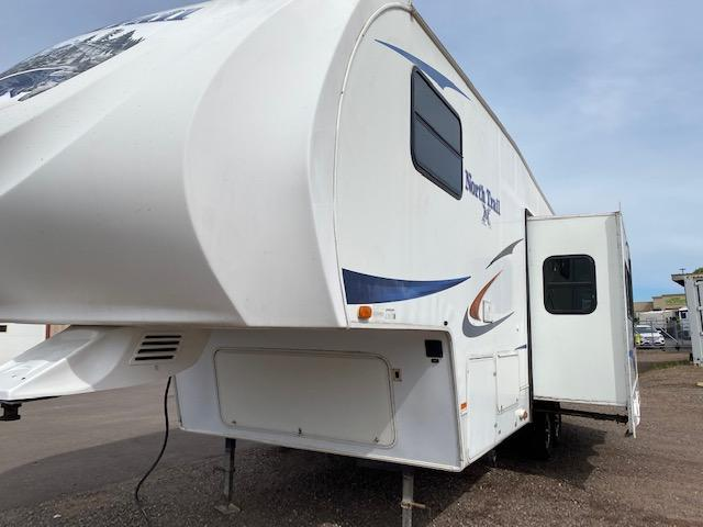 2011 Heartland North Trail Ultra Lite 28BH Fifth Wheel Campers RV