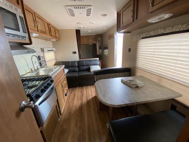 2016 Coachmen Catalina 223FB Travel Trailer