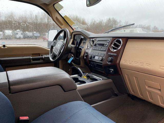 2011 Ford F250 Lariat Truck