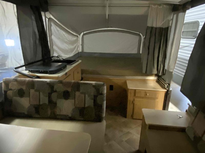 2010 Coleman Coleman Lantern LT Cheyenne Tent Camper RV