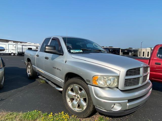 2004 Dodge Laramie Truck