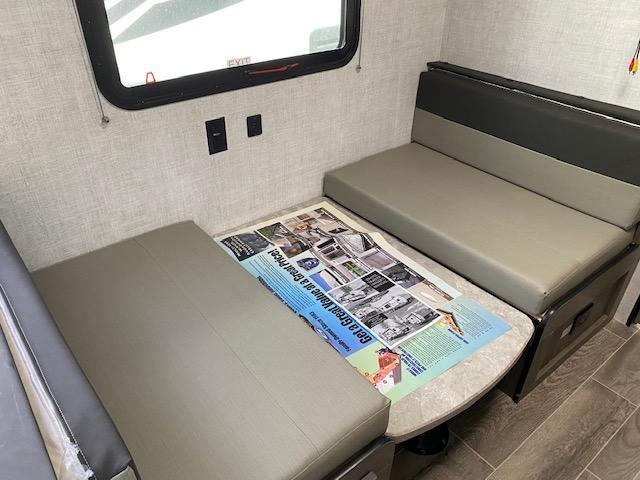 2021 Gulfstream Kingsport 189DD Travel Trailer RV