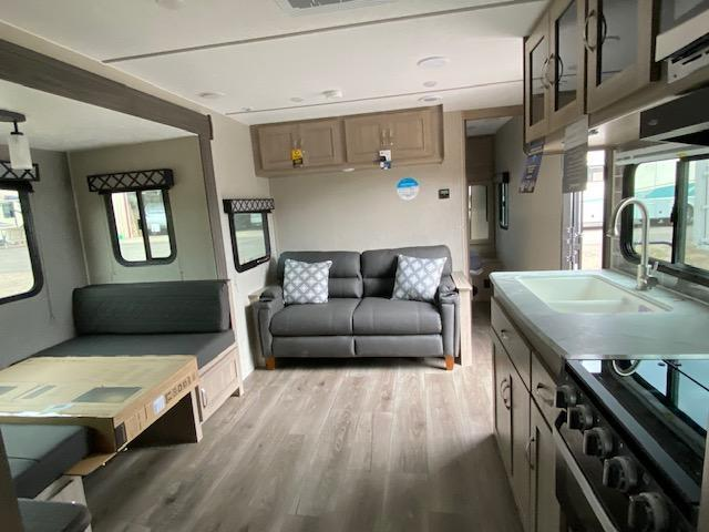 2021 Coachmen Freedom Express Ultra Lite 252RBS Travel Trailer RV
