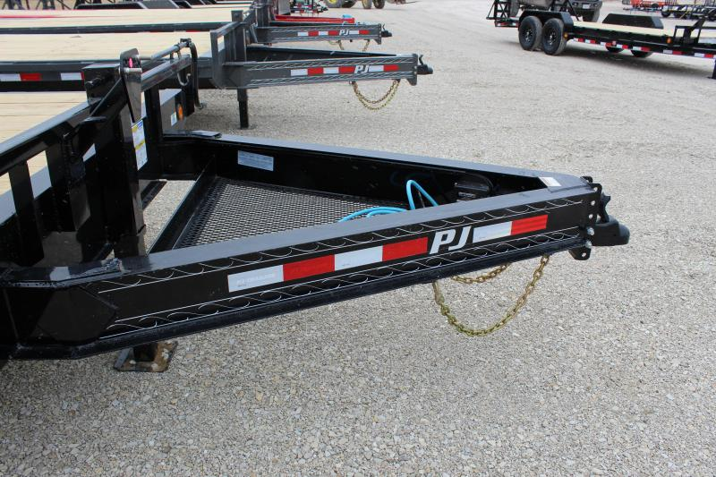 2021 PJ Trailers F8 22' deckover Flatbed Trailer