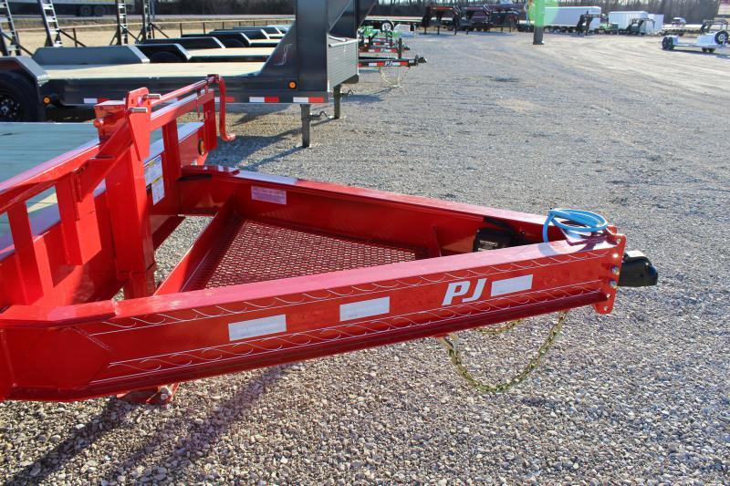 2021 PJ Trailers F8 24' deckover Flatbed Trailer