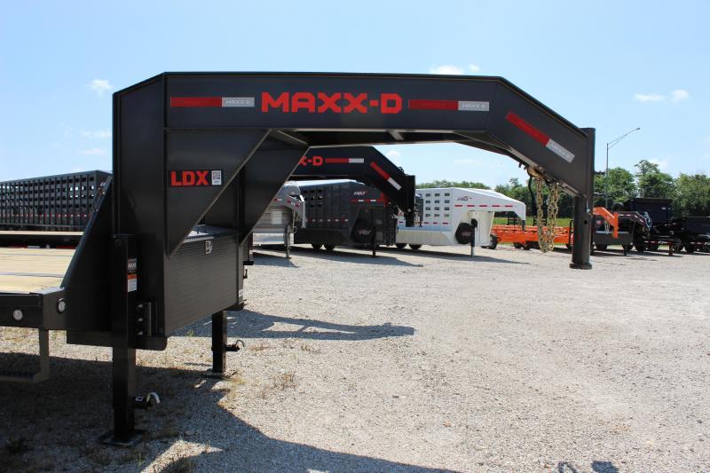 2021 MAXXD LDX 28' Equipment Trailer