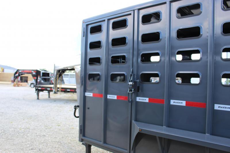 2021 Maxxim Industries 6.8x32 gooseneck Livestock Trailer