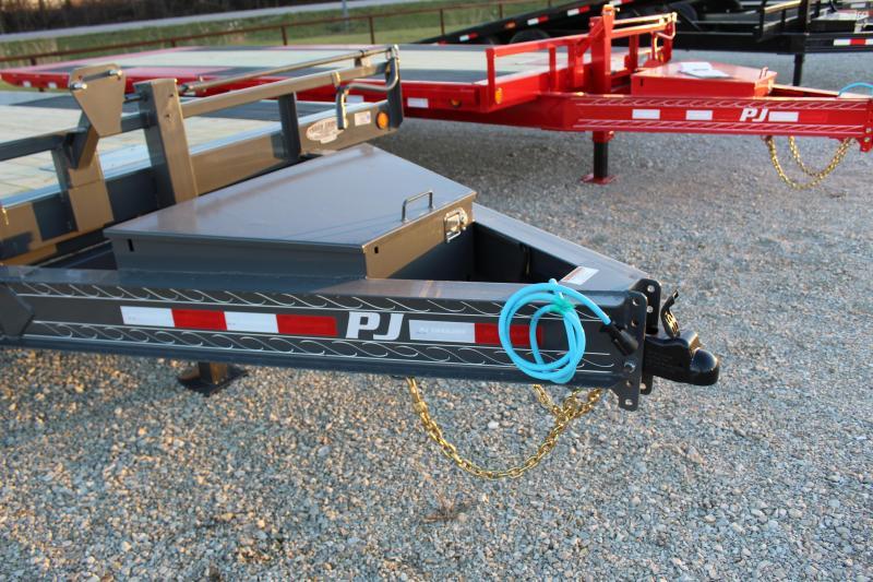2021 PJ Trailers T8 22' tilt Flatbed Trailer