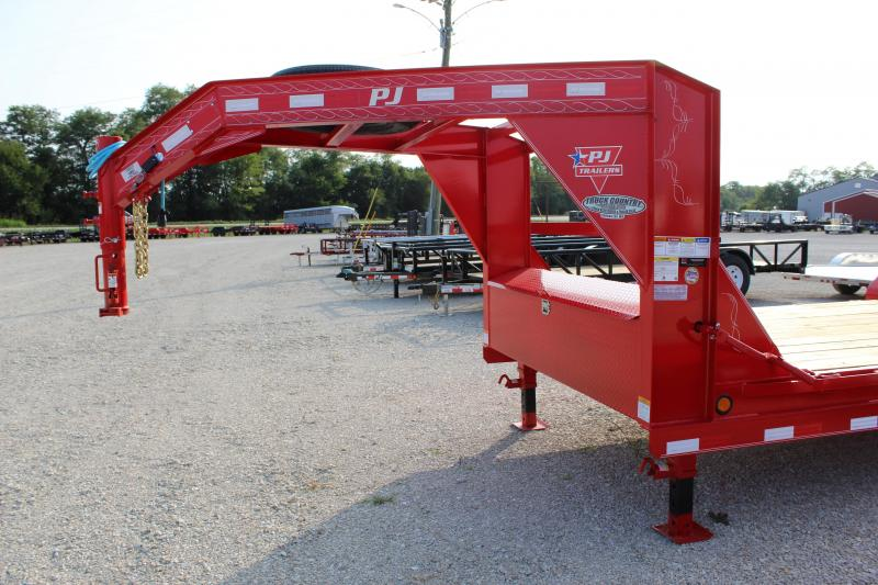 2021 PJ Trailers CC 22' gooseneck Equipment Trailer