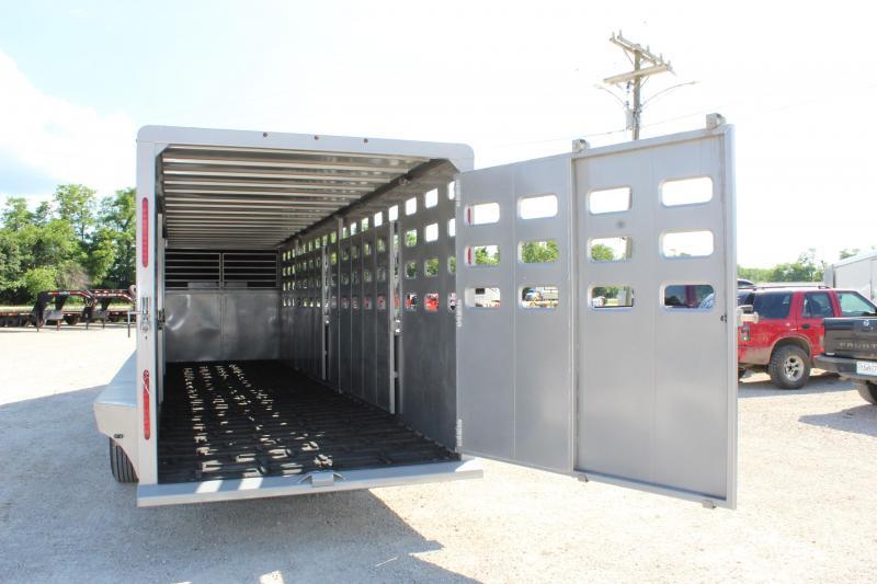 2021 Maxxim Industries Eagle 6.8x28 gooseneck Livestock Trailer