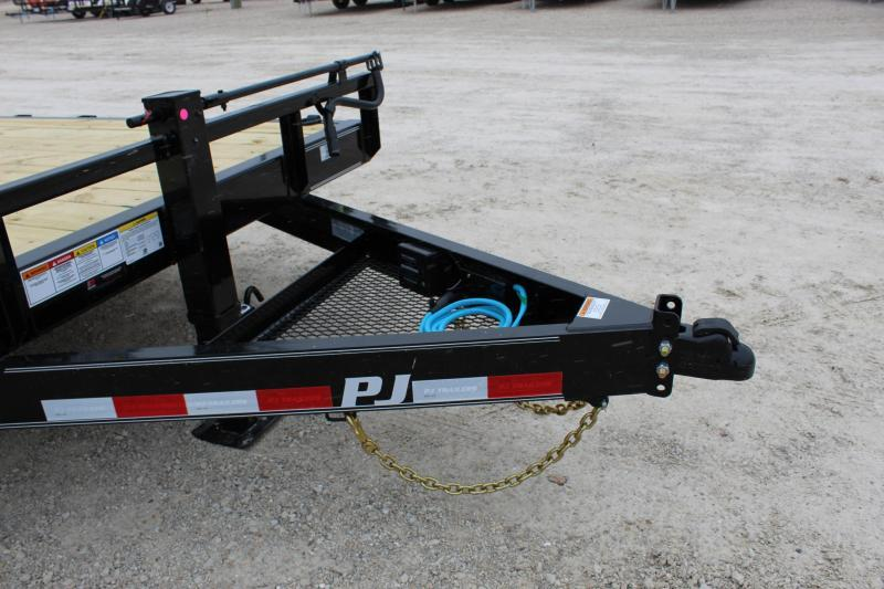 2021 PJ Trailers CC 20' Equipment Trailer