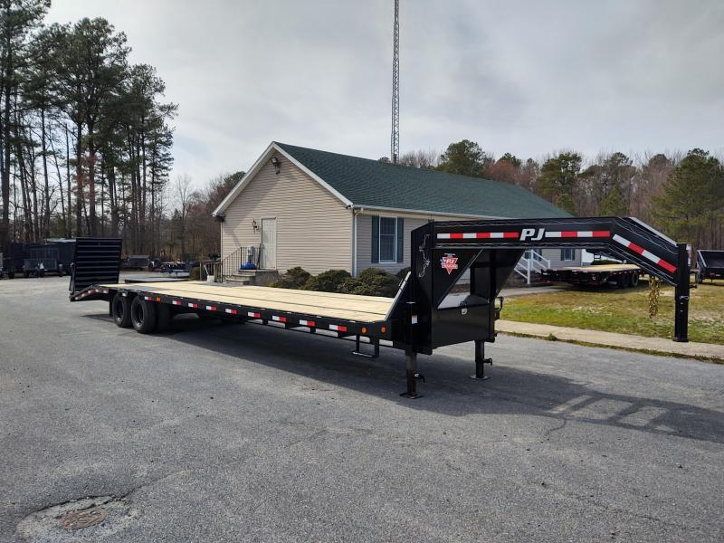 2021 PJ Trailers LD 35 Equipment Trailer