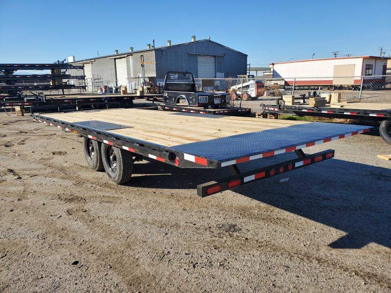 2021 PJ Trailers T822 Equipment Trailer