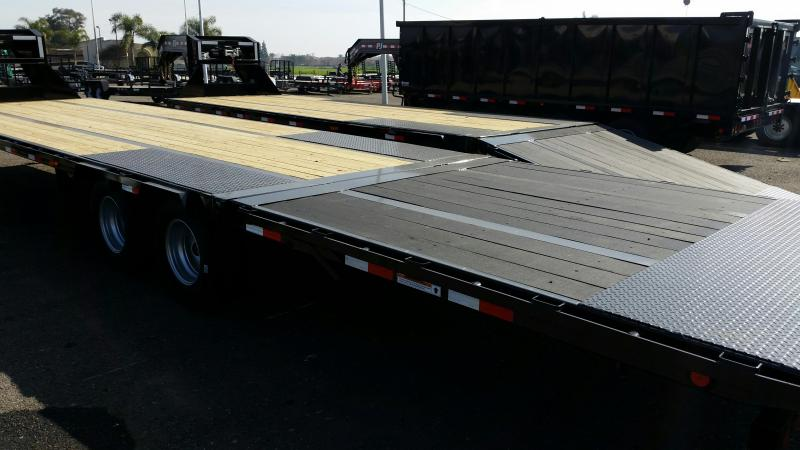 2020 PJ Trailers Low-Pro with Hydraulic Dove (LY) Flatbed Trailer