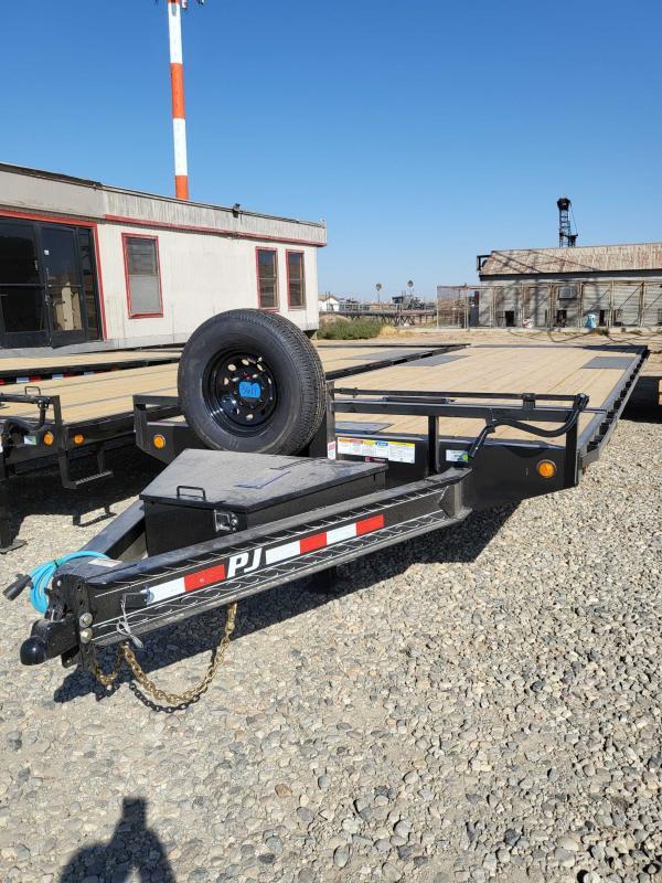 2022 PJ Trailers T8262 TILT Equipment Trailer